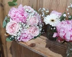 Bouquet de mariée et verreries fleuri - Albertville - JULALIE